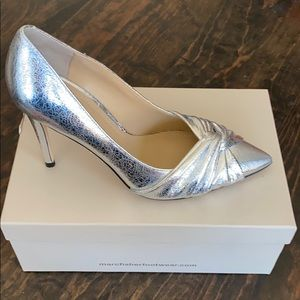 NEW Marc Fisher Silver Leather Pump